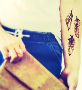 henna feathers Grafton